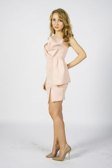 Free Model In Short Pink Summer Dress Royalty Free Stock Image - 54405606