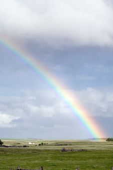 Free Rainbow Over Green Pasture Royalty Free Stock Images - 5450119