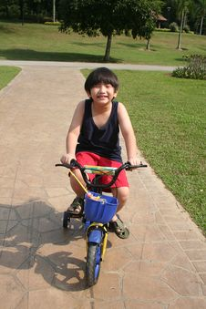 Free Boy Cycling Stock Photos - 5451843