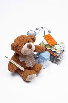 Free Doctor Teddy Bear Royalty Free Stock Image - 5453376