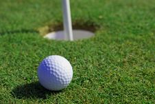 Free Golfball In Front Of The Hole Royalty Free Stock Photos - 5453708