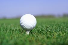 Free Golfball In Front Of The Hole Royalty Free Stock Images - 5453769
