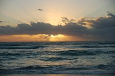 Free Sunrise Over The Carribean Royalty Free Stock Photos - 5454268