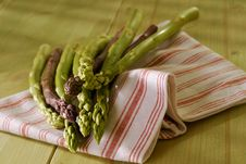 Free Green And Violette Asparagus Royalty Free Stock Images - 5455069