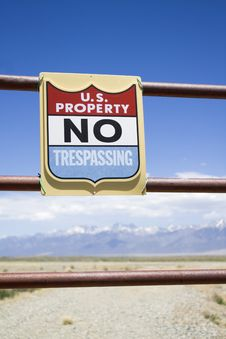 Free US Property - No Trespassing Stock Photography - 5455202