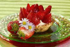 Free Strawberry Cake Royalty Free Stock Image - 5455386