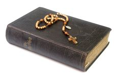 Ancient Bible With Rosary Royalty Free Stock Image