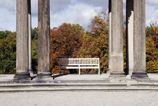 Free Bench Between Columns Royalty Free Stock Photography - 5462027