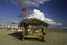 Free Hut In The Beach Royalty Free Stock Images - 5466119