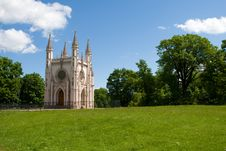 Free Gothic Chapel In Peterhof Royalty Free Stock Photos - 5468078