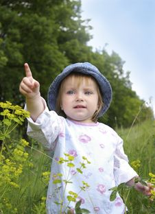Free Cute Little Girl And Plants Royalty Free Stock Photography - 5468947