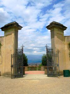 Free Gate In Boboli S Garden Stock Image - 5469241