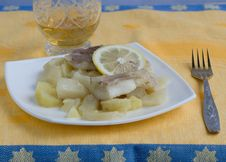 Free Fish With Potatoes And Wine Stock Photography - 5471732