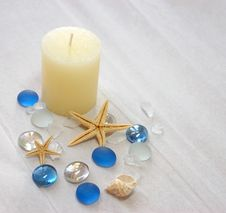 Free Candle With Decorative Glass Balls Stock Photography - 5472882