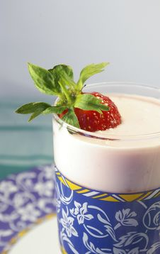 Free Strawberry And Glass Of Yogurt Royalty Free Stock Images - 5473739