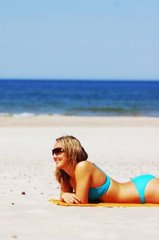 Free Beautiful Woman On The Beach Royalty Free Stock Images - 5473759
