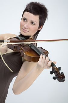 Free Women With Violin Royalty Free Stock Image - 5479306