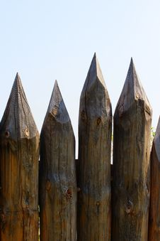 Free Natural Picket Fence. Vertical Frame. Royalty Free Stock Image - 5482276