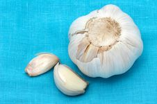 Free Garlic On A Blue Fabric Royalty Free Stock Photo - 5482325