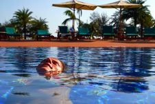 Free Relaxing In The Pool Royalty Free Stock Photography - 5483807