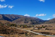 Free Small Village In China Royalty Free Stock Photos - 5483848