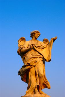 Free Statue From The Michel-Angelo Bridge Stock Images - 5487224
