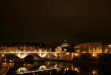 Free St Peter Basilica And Tiber Royalty Free Stock Photos - 5487858