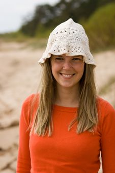 Free Attractive Young Babe On The Beach Royalty Free Stock Photography - 5491557