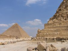 Free Pyramid View Stock Photo - 5492290