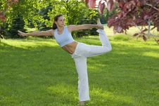 Free Sporty Girl Exercising On Meadow Against The Sky Royalty Free Stock Photos - 5495398