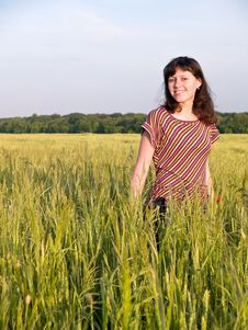 Free Smiling Teen Girl In Field Stock Images - 5497944