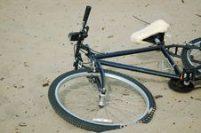 Free Bicycle On The Beach Stock Photos - 550813