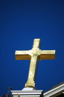 Free Cross On A Church Royalty Free Stock Images - 550819