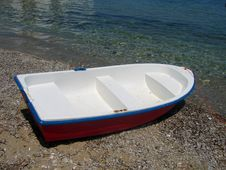 Free Boat On Beach Royalty Free Stock Image - 556996