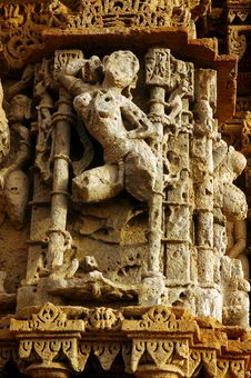 Free Sculpture On A Temple Pillars. Royalty Free Stock Photo - 5500375