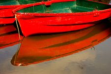 Free Red Boats Royalty Free Stock Images - 5501109