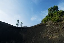 Free Volcano Landscape Royalty Free Stock Images - 5501779