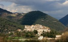 Free Small Village, Umbria Royalty Free Stock Photos - 5502278