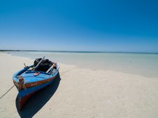 Free Boat On The Beach Stock Image - 5502501
