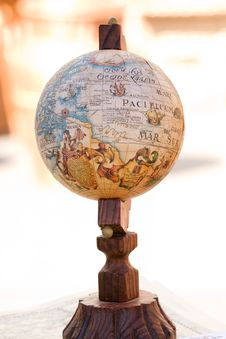 Free Old Globe Royalty Free Stock Photography - 5502667