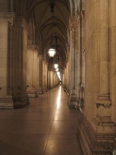 Free The Long Corridor Stock Images - 5506504