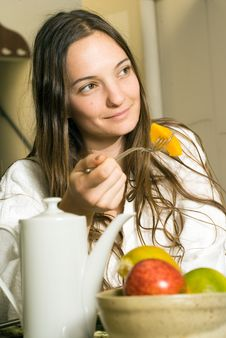 Free Woman Eating Breakfast At A Spa - Vertical Royalty Free Stock Photography - 5509907