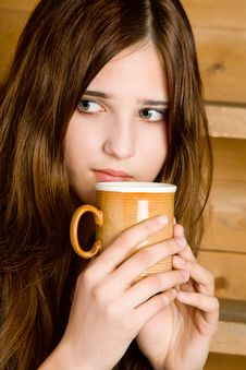 Free The Girl With A Mug Royalty Free Stock Photos - 5510028