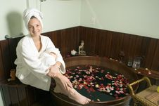 Free Woman Relaxing At A Spa - Horizontal Stock Photo - 5510070
