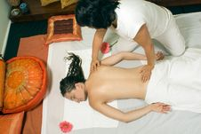 Free Woman Getting A Massage - Horizontal Royalty Free Stock Photos - 5510548