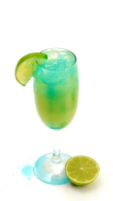 Free Cocktail - Blue Martini Stock Photos - 5516303