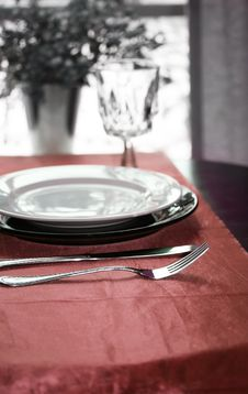 Free Elegant Dinning Table Stock Photos - 5517053