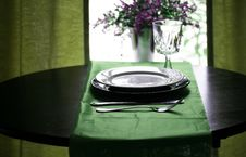 Free Elegant Green Restaurant Stock Photography - 5517062