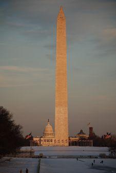 Free Washington Monument In Winter Royalty Free Stock Image - 5517276