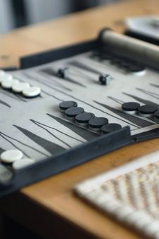 Free Backgammon Board Game Royalty Free Stock Photos - 5517288